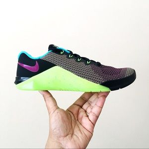 WMNS Nike Metcon 5 AMP
